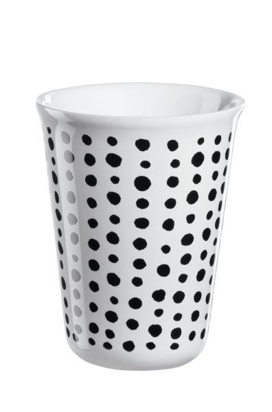 Becher Cappuccino, black spots