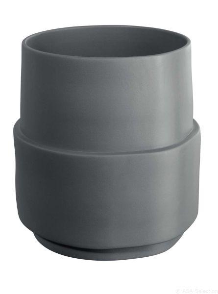 Vase, steel