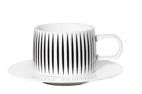 Tasse mit Unterer, stripes